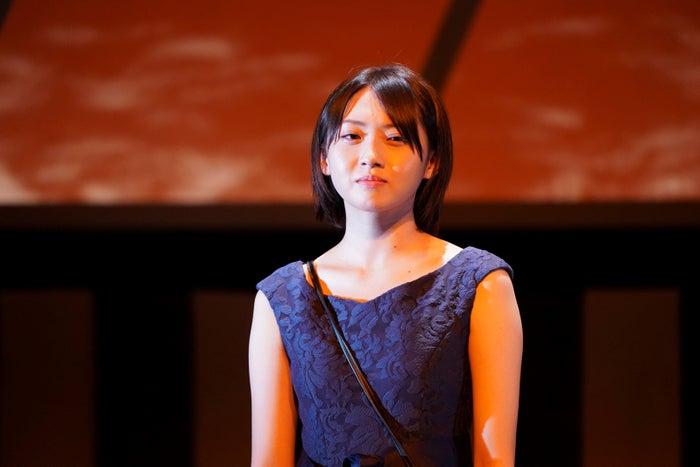 木崎ゆりあ/舞台『生前葬(so)ng♪』の公開ゲネプロの様子(提供写真)