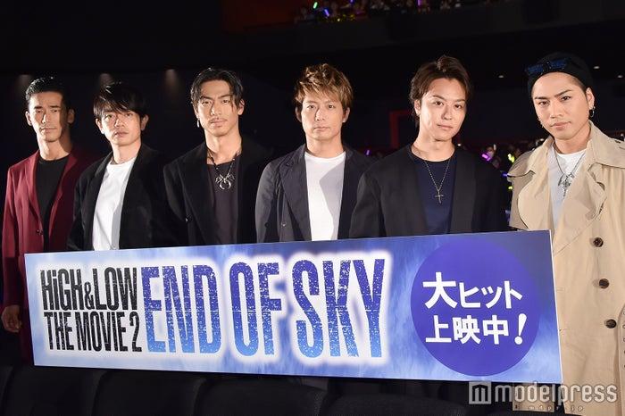 (左から)小林直己、青柳翔、AKIRA、黒木啓司、TAKAHIRO、登坂広臣 (C)モデルプレス