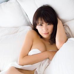 久松郁実、ファン騒然の大胆SEXY姿 ダイナマイトボディがパ…