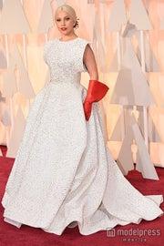 レディー・ガガ、婚約者に「愛してるわ」 アカデミー賞レッドカーペットに特注ドレスで参戦/photo:Getty Images【モデルプレス】