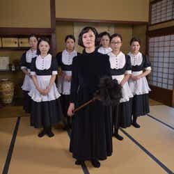 モデルプレス - TOKIO松岡昌宏、初メイド服で夏木マリと対峙「しっくりきてるかも」