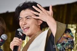 勝地涼、前田敦子と結婚後初の公の場 結婚指輪アピールで「幸せです」