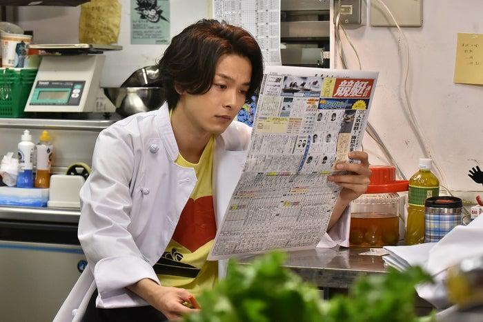 中村倫也/「崖っぷちホテル!」第1話より(C)日本テレビ