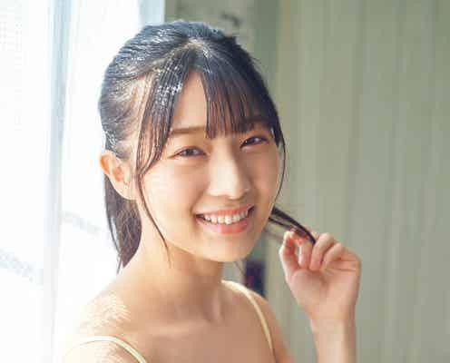 NMB48安部若菜、キャミ姿で美谷間際立つ