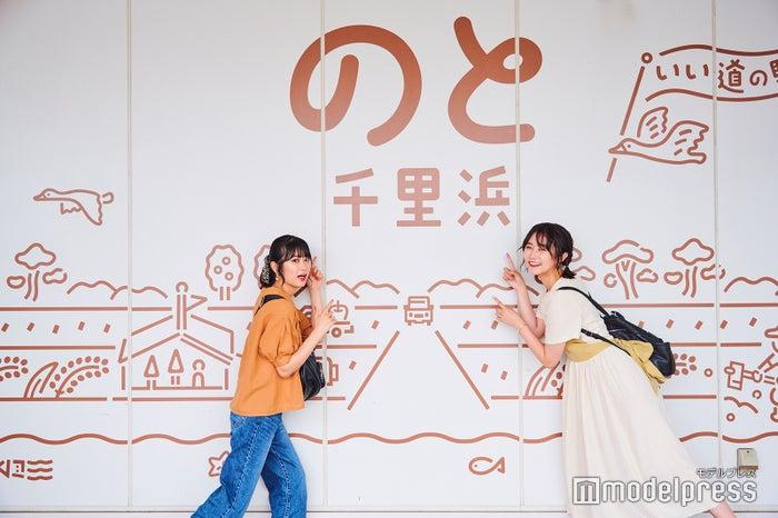 (モデル左から)広瀬ちひろ(@chi_hirose)、まつきりな(@matsuki_rina)、(C)モデルプレス