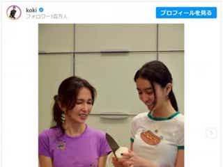 Koki,工藤静香と親子クッキング!2ショットを公開