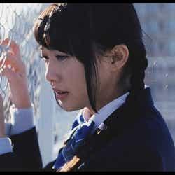 木崎ゆりあ/AKB48「Green Flash」MVより(C)AKS