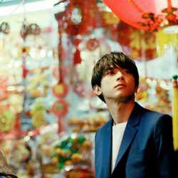 吉沢亮 PHOTO BOOK『One day off』(ワニブックス刊)撮影:FranklinJimi