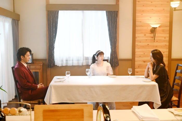 中村倫也、小芝風花、小池栄子/「美食探偵 明智五郎」最終話(C)日本テレビ