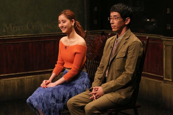新木優子、野間口徹(C)関西テレビ