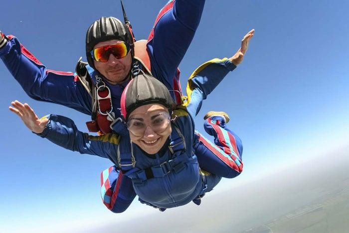サイパン旅行中だからこそ非日常の体験にチャレンジ(C)Skydive Saipan LLC