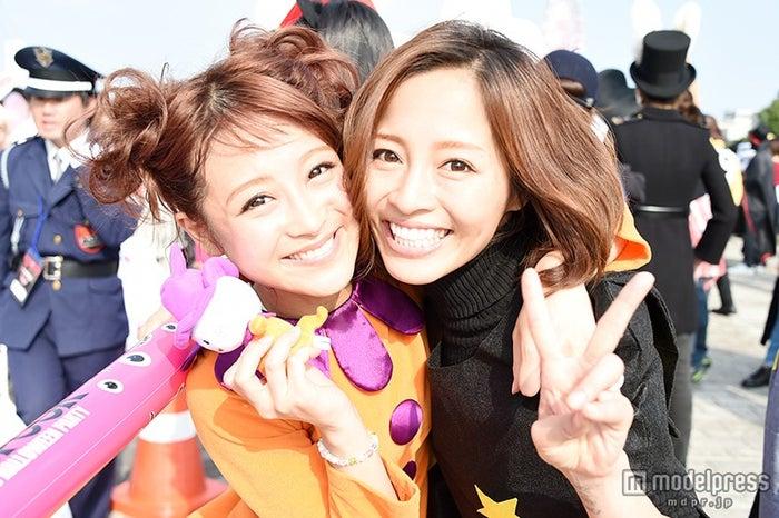 お台場最大級のハロウィーンイベント「T-SPOOK」が開幕【モデルプレス】(左から)鈴木奈々、小森純