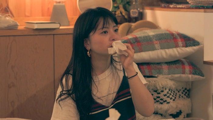 涙を流す優衣「TERRACE HOUSE OPENING NEW DOORS」36th WEEK(C)フジテレビ/イースト・エンタテインメント