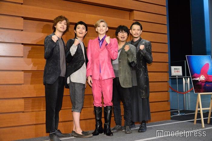 (左から)平野潤也、高田翔、京本大我、中山祐一朗、細見大輔(C)モデルプレス