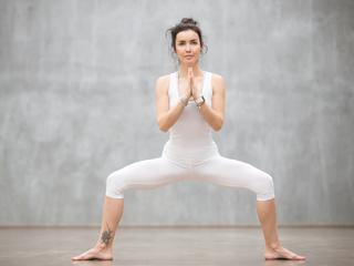 四股踏みで姿勢改善&代謝アップ!正しい方法で効果的なトレーニング