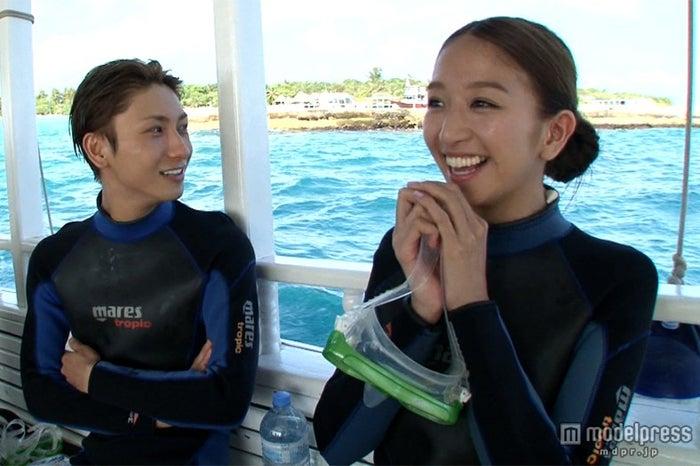 オススメのダイビングポイントで海の世界を体験(C)NTV