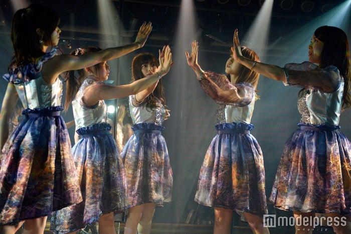 「ひび割れた鏡」/AKB48「サムネイル」公演(C)モデルプレス