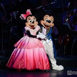 ディズニー、新「バレンタイン・ナイト」初お披露目 ラプンツェルも初登場でプリンセスメドレー