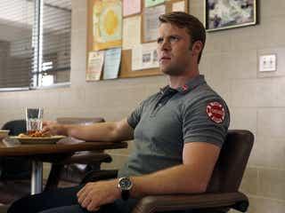 アメリカ人気ドラマランキング、『NCIS』首位の裏で『シカゴ・ファイア』が再燃!