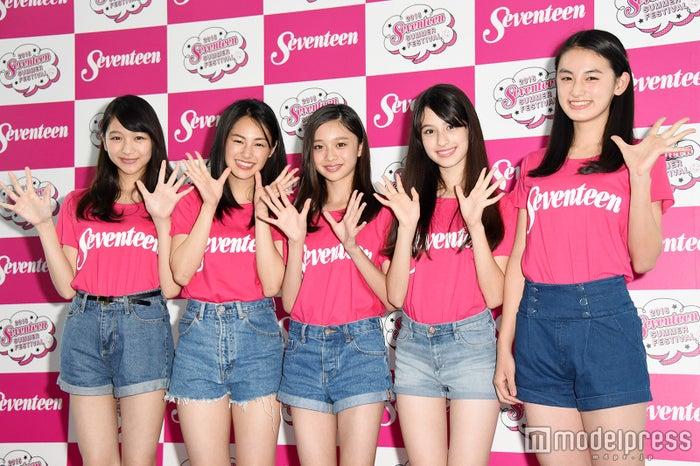 (左から)杉本愛里、南乃彩希、田鍋梨々花、木内舞留、八木莉可子(C)モデルプレス