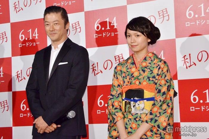 映画「私の男」(6月14日公開)の試写会イベントに登壇した浅野忠信と二階堂ふみ
