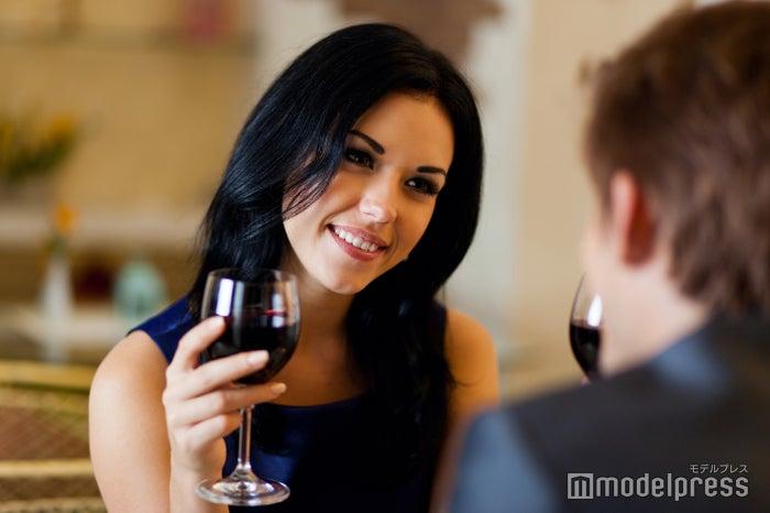 居酒屋でのデートは距離が縮まりやすい(Photo by mast3r/Fotolia)