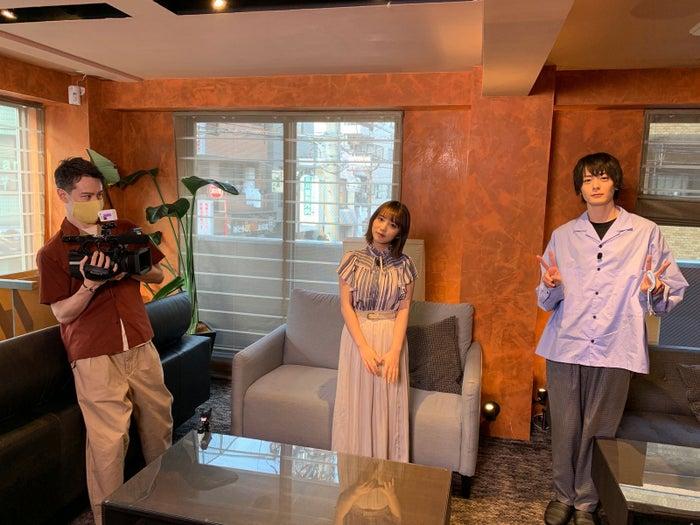 (左から)ウエンツ瑛士、与田祐希、犬飼貴丈(C)日本テレビ