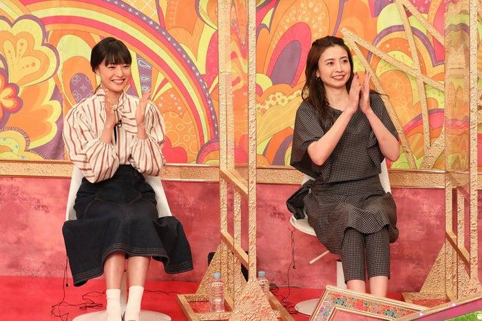 (左から)大友花恋、片瀬那奈(C)フジテレビ