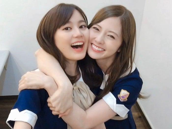 生田絵梨花、白石麻衣/提供写真