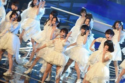 AKB48、卒業の高橋みなみに捧げた「レコ大」…全身全霊のパフォーマンス<レコ大>
