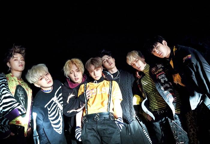 (左から)JU-NE(ジュネ)、SONG(ソン)、BOBBY(バビー)、JAY(ジェイ)、 B.I(ビーアイ)、DK(ディーケイ)、CHAN(チャン)(提供写真)