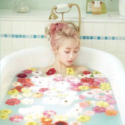 元KARAニコル、1st写真集の入浴ショット公開