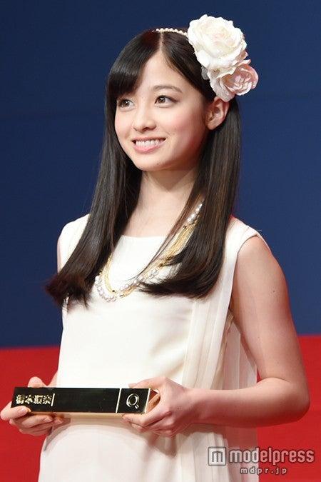 「Yahoo!検索大賞2014」アイドル部門を受賞した橋本環奈【モデルプレス】