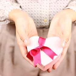 モデルプレス - 男性にバレンタインチョコを渡す時に言いたい胸キュンワード4選