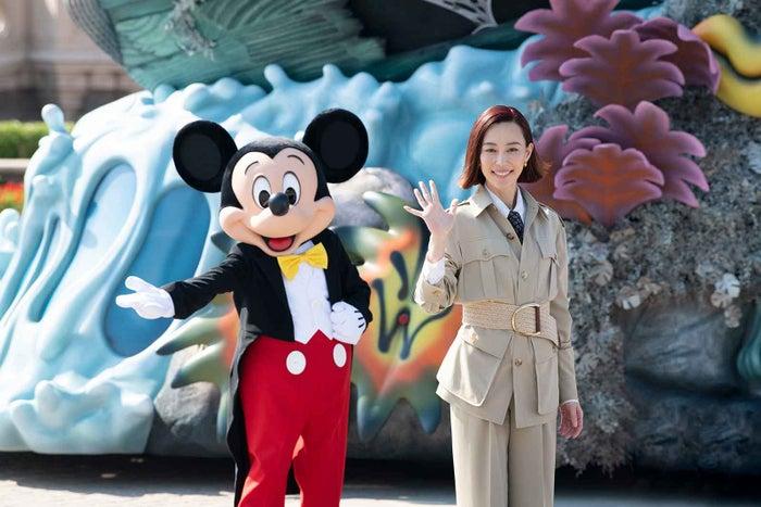 ミッキーマウス、木村佳乃(C)2021 Disney Enterprises, Inc. All Rights Reserved.