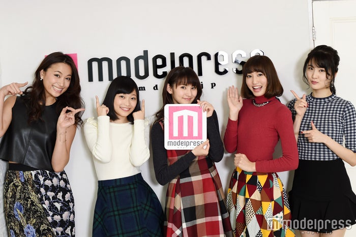 (左から)高橋ユウ、小山百代、大久保聡美、七木奏音、坂田しおり(C)モデルプレス