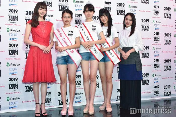 新川優愛、丸山陽詩さん、宮部のぞみさん、林凛音さん、平祐奈 (C)モデルプレス