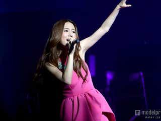 May J.、夢の場所で「アナ雪」主題歌を熱唱 8000人を感動の渦へ