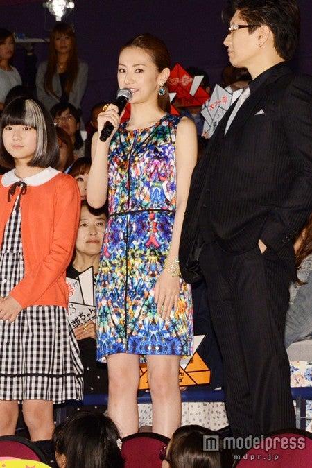 「悪夢ちゃん The夢ovie」の初日舞台挨拶の様子(左より)木村真那月、北川景子、GACKT