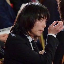 菅田将暉、授賞式でANNリスナーとの約束果たす<第41回日本アカデミー賞>