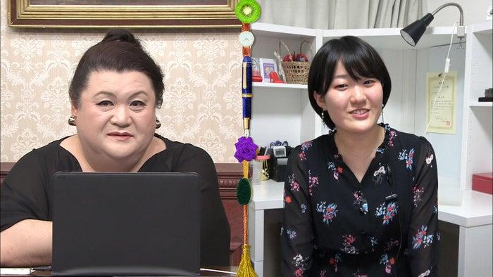 マツコ・デラックス(左)/1日放送「マツコ会議」より(C)日本テレビ