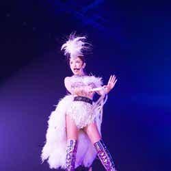 モデルプレス - 浜崎あゆみ、自身最多ロングツアー幕開け 初日から圧巻ステージで魅了