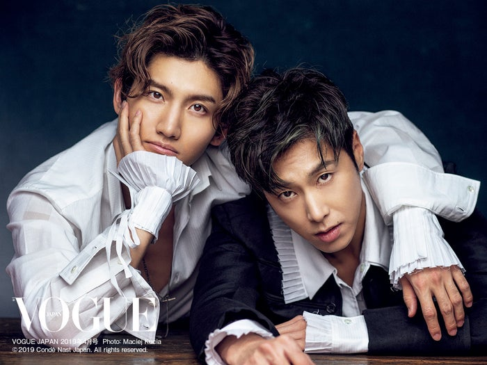 東方神起/VOGUE JAPAN 2019年4月号 Photo:Maciej Kucia(C)2019 Conde Nast Japan. All rights reserved.