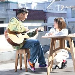 """瑛人、今一番会いたい女優・飯豊まりえと""""恋愛妄想劇""""「僕はバカ」MV解禁"""