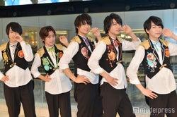 M!LK(左から)吉田仁人、山﨑悠稀、佐野勇斗、板垣瑞生、塩﨑太智(C)モデルプレス