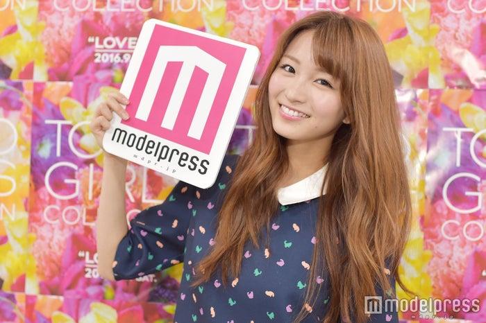 モデルプレスのインタビューに応じた岡崎紗絵(C)モデルプレス