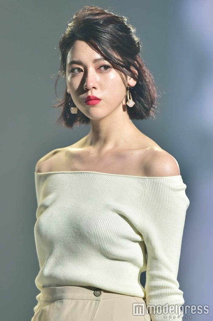 「神戸コレクション2016 AUTUMN/WINTER」に出演した三吉彩花 (C)モデルプレス