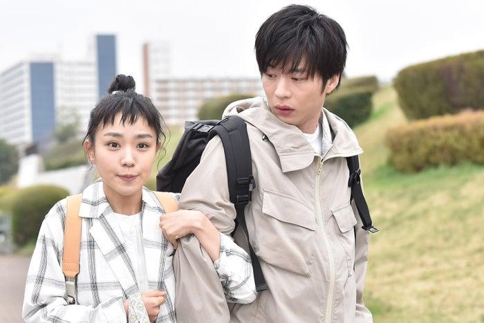 奈緒、田中圭/「あなたの番です」第4話より(C)日本テレビ