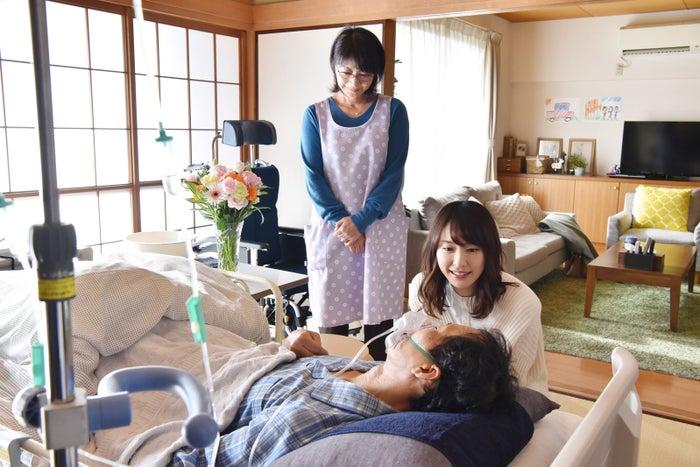 田中美佐子・新垣結衣/「獣になれない私たち」第7話より(C)日本テレビ
