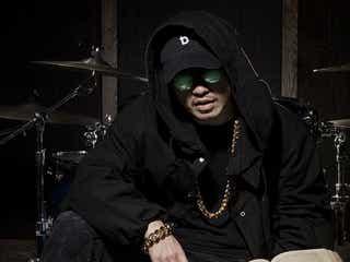 AK-69が自身が代表を務める「Flying B Entertainment」を立ち上げ、ニューシングルを2/24にリリース!グッズ付きスペシャル盤も